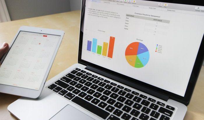 Relógio de ponto eletrônico: veja como calcular o melhor custo-benefício!