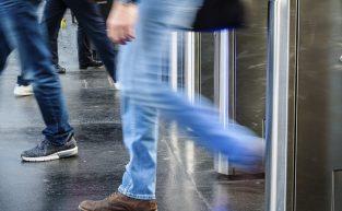 Controladores de acesso: solução para segurança em espaços coletivos