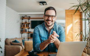 É possível controlar a jornada de funcionários em home office