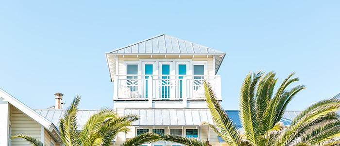 Casa de praia com fechadura eletrônica.